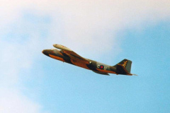 Fenton-Canberra-flypast-100-Sqn-PoP-late-80s