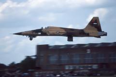 CF-83-008b