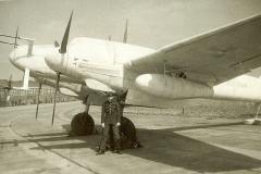 05-21-Feb-1960-and-Cadet-Ray-Newall